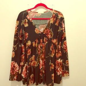 Floral v-neck tunic with ruffle details